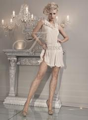 Ballerina: mink lurex tights with embroidery.